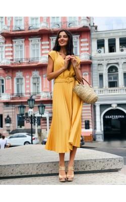 Жовта плісирована сукня 30-280-836