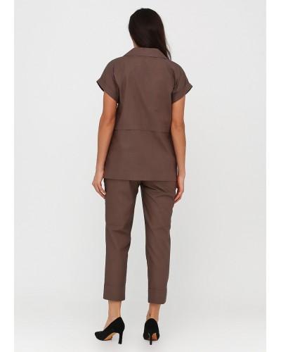 Базовий костюм трійка пильно-коричневого кольору