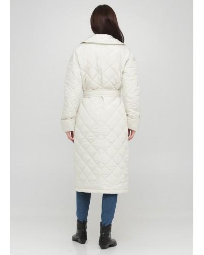 Стьобане пальто молочного відтінку на удзиках