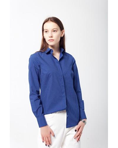 Рубашка синего цвета с принтом