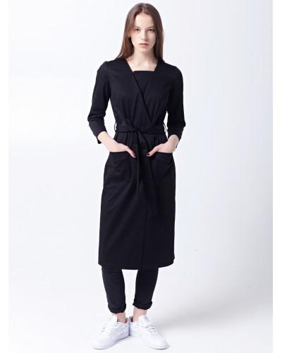 Черное платье-халат с поясом и одним лацканом