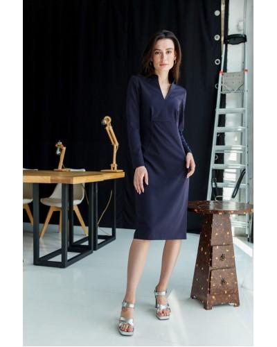 Сукня-футляр темно-синього кольору