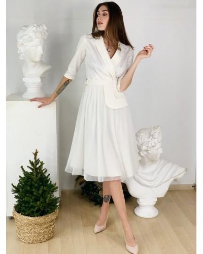 Біле плаття з поясом-баскою 77-394-676