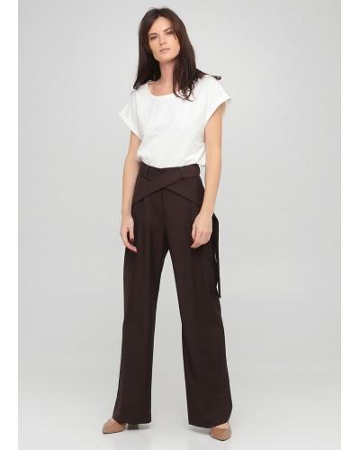 Коричневі штани з декоративним поясом
