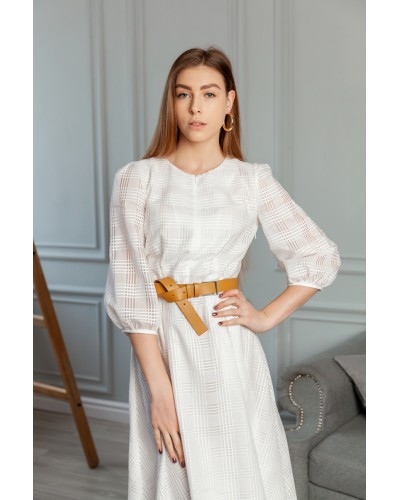 Біле плаття з асиметричним низом 77-408-782-137